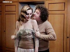 Milf señores cojiendo pelirroja tetona Kendra James domina a una joven lesbiana -
