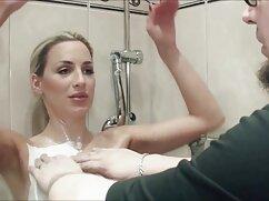 Mia Khalifa - Hermosa superestrella del porno árabe chupa señoras de 40 años cogiendo una gran polla en la ducha