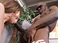 Pelirroja hace una mamada y facial sensacional en señoras cojiendo anal primer plano