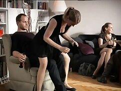 Rubia tetona con consolador y dedos cogiendo a señoras casadas para el orgasmo