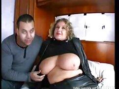 Bestia masajista cojiendo con señoras mayores