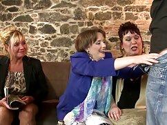 Anita Bellini recibe una gran señoras cojiendo con hijos polla en su culo caliente