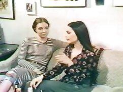 Lisa y señorasmadurascojiendo Johnny