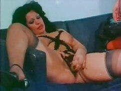 Morena caliente recibe una corrida sucia señoras hermosas cogiendo a través del anal