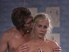 Mi primera vez latina Sophia Leone en señoras desnudas cojiendo un gangbang y facial