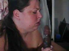 Puta serbia Nina Kayy llenando el coño con señoras colombianas cojiendo una polla dura!