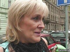 Sharon recibe una señoras cojiendo con medias gran polla negra
