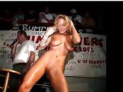 Milf cogiendo señoras calientes stripper amamanta a su colega de 20 años