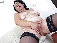 - Ashley señoras de 70 años cogiendo Jane, rubia joven y caliente juega sola